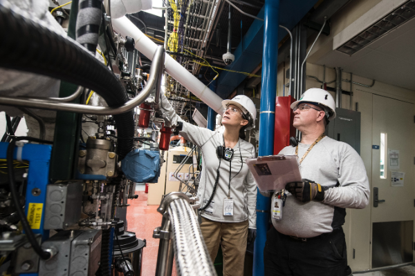 clean energy workers engineers