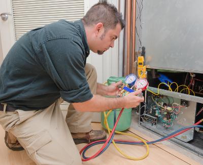 energy efficiency worker