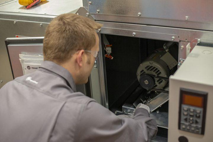 energy efficiency worker HVAC